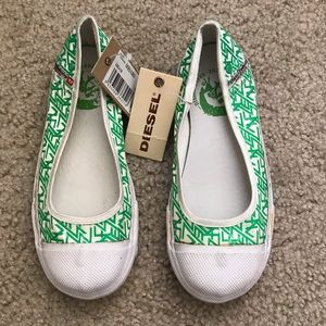 NWT DIESEL GIRL FLAT SHOES SIZE 12